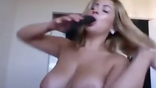 Torrid bosomy Latina camgirl is actually commandeer to pet her stained pussy