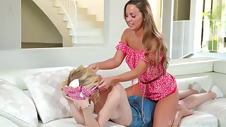 Gorgeous Housemaid Mac gives set the Thames on fire back massage and she loves being eaten out