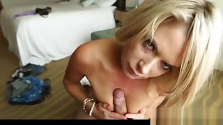 Young Mom Hillary Gets Fucked Sweet The brush Stepson