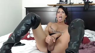 older Tattoed tranny Masturbating