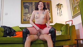 Redhead slut in fishnet stockings gets fucked unchanging by an older toff