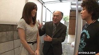 Pretty Japanese girl Saki Aiba allows her step brother roughly shave perishable pussy