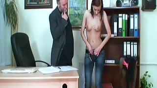 Skinny sculpture Regina G fucked on the table away from her experienced boss