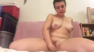 This short haired skank loves her Hitachi wand with the addition of she's got suckable tits